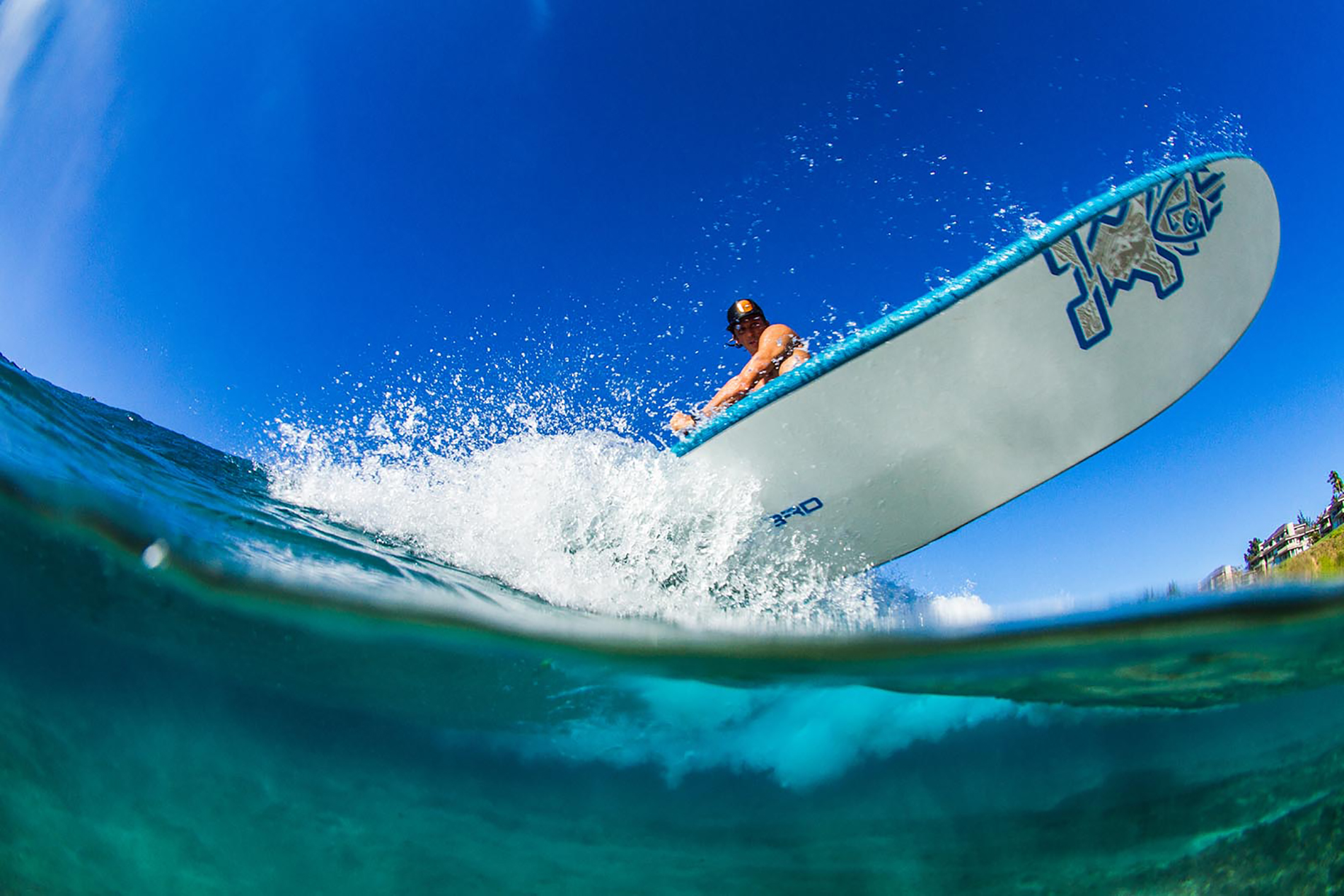 ein SUP Board Paddler in Action