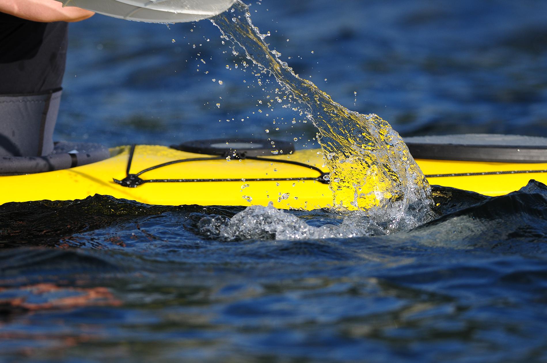 Detailansicht eines gelben Kajaks